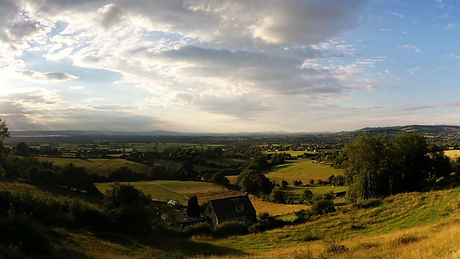 evening-view-from-the-cotswold-way-justi