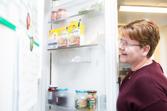 Åpner kjøleskapsdørene for forskning