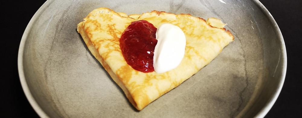 Får du nå lyst på pannekaker? denne har ekstra protein og kan nytes med rømme og syltetøy. Foto: Guro Helgesdotter Rognså, NOFIMA