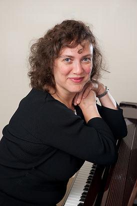 Mila Gottesman, piano