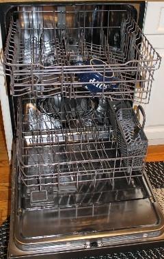 Ask Elizabeth - How Do You Load a Dishwasher?