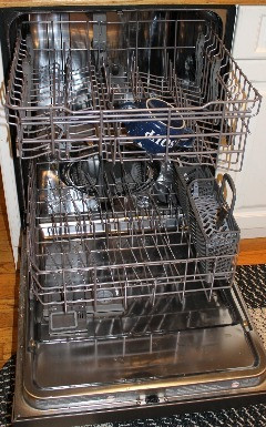 Ask Elizabeth - How Do You Load a Dishwasher?