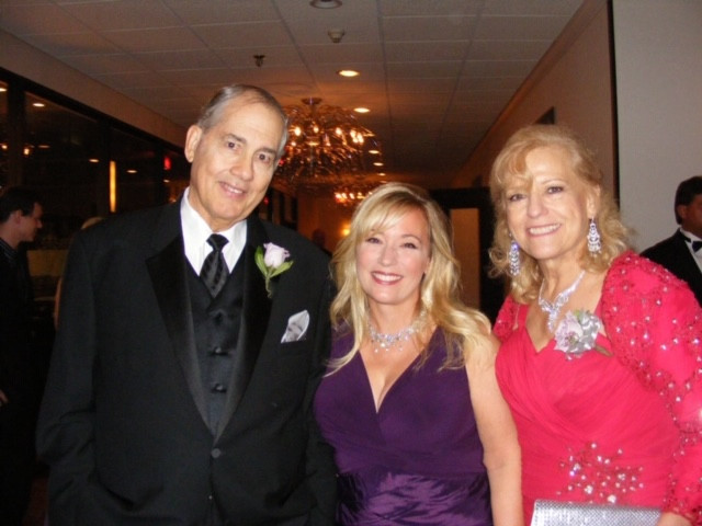 elizabeth guarino and her parents.jpg