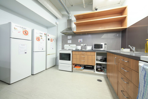 Laneway Backpackers- Communal kitchen with full facilities
