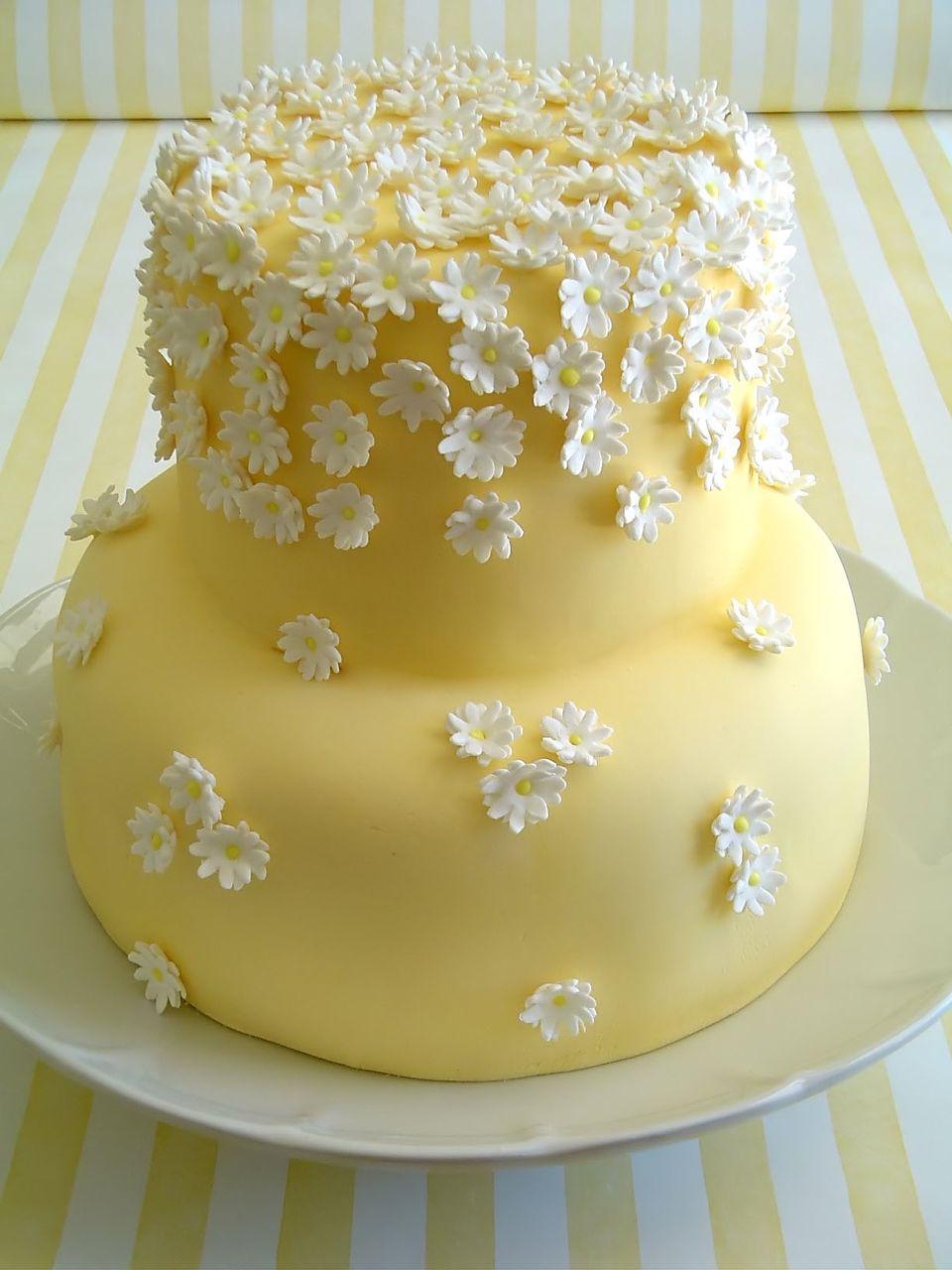 Torta de bodas margaritas.jpg
