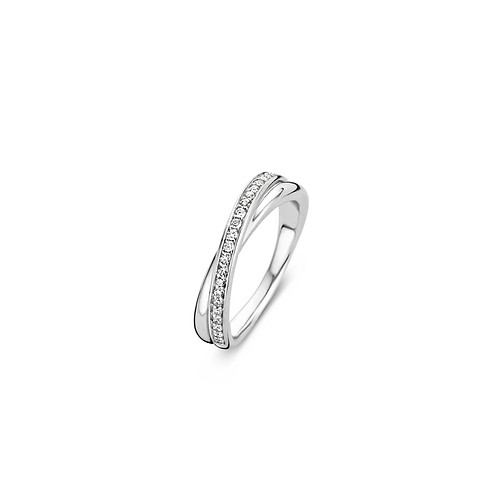 Ti Sento Ring brilliant-cut cubic zirconia stones set on one of the bands.