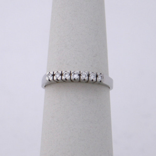 GOLD RING 18CK Gold with Diamonds in a Row in Brilliant Round Cut