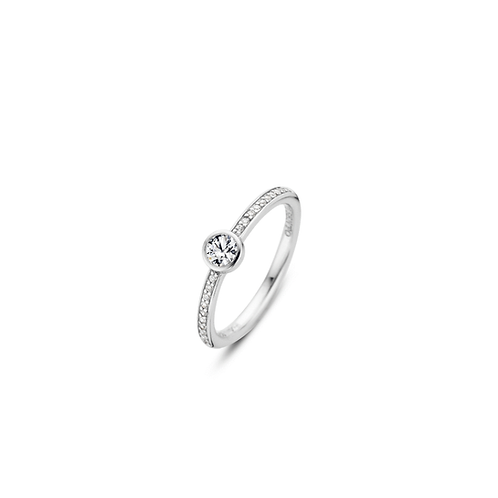 Ti Sento Ring with a pavé-set stones in the band and a larger zirconia on top