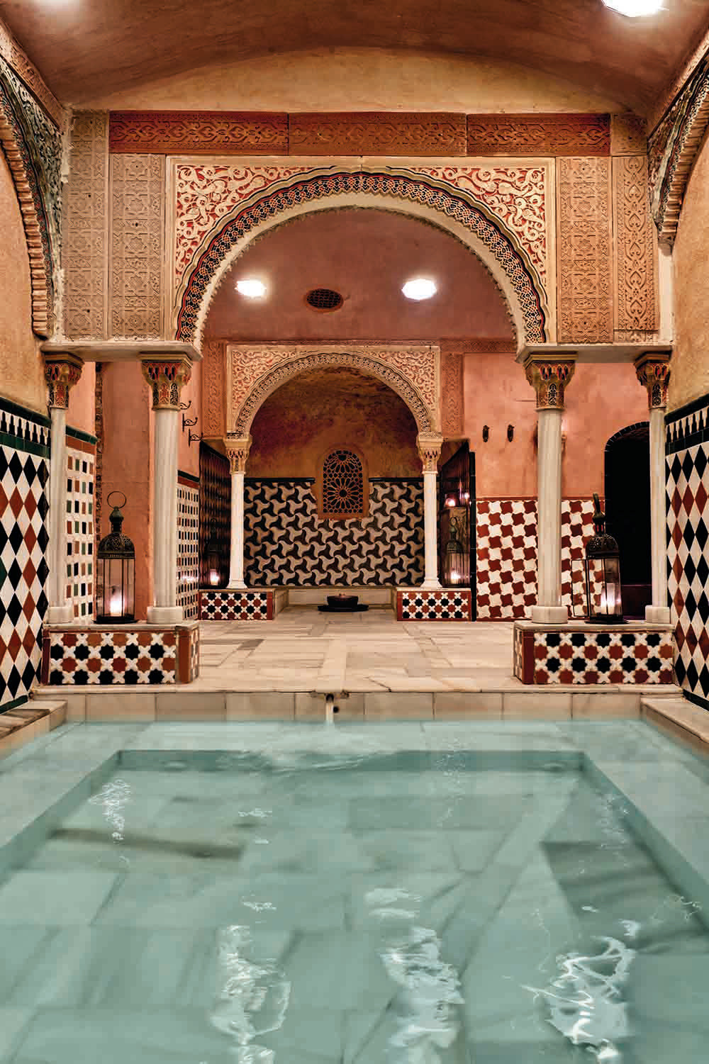 Arabic bathhouse day spa massage hammam al andalus granada Spain