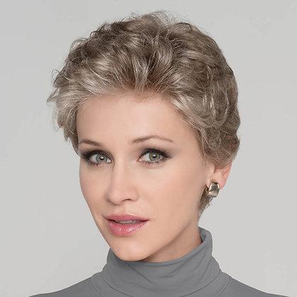 Lucia *D | hairpower