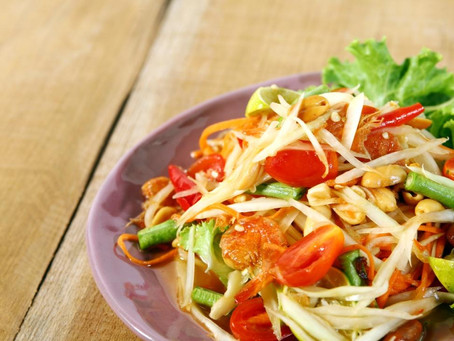GREEN PAPAYA SALAD (SOMTAM)