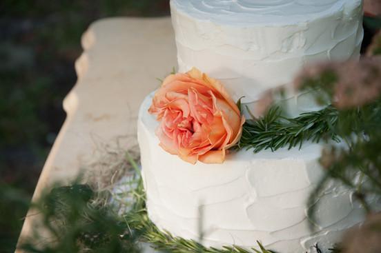 Bohemian Rustic Wedding Inspiration - {WWW}