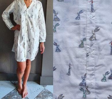 Chemise de nuit manches longues - Lapins sur fond blanc