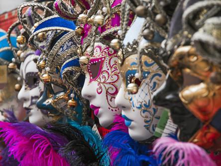 Masken und Gestalten