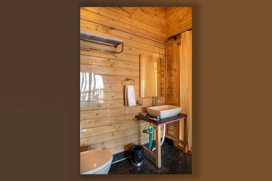 cottage bathroom.jpeg