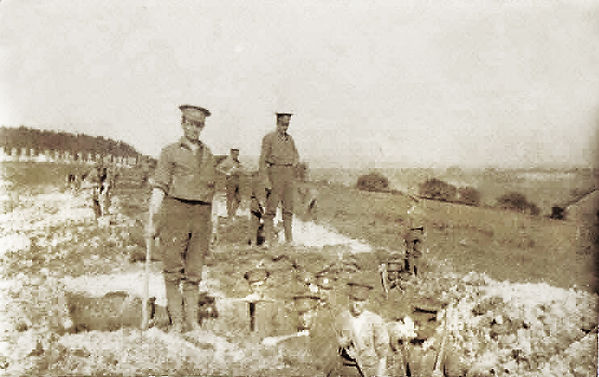 Digging Trenches Tolsford 1915