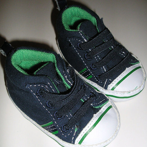 Carters navy/green size N
