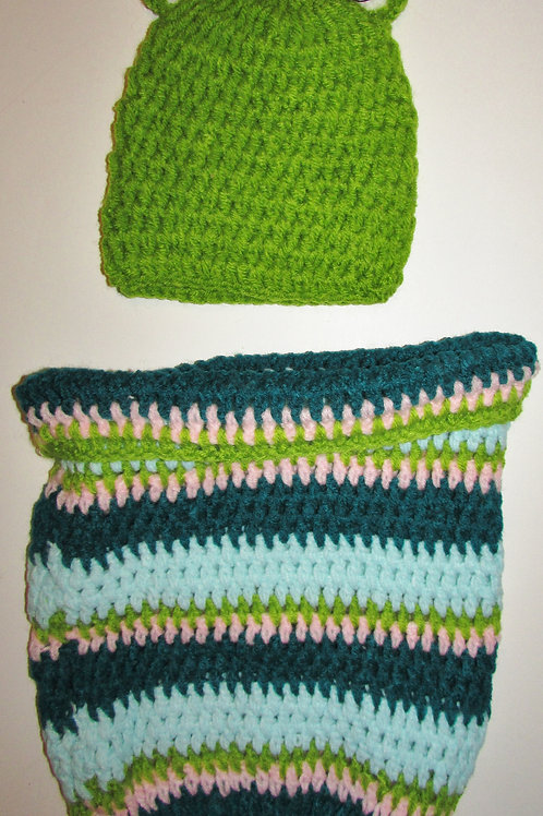 Knit photo prop caterpillar/cocoon motif size N