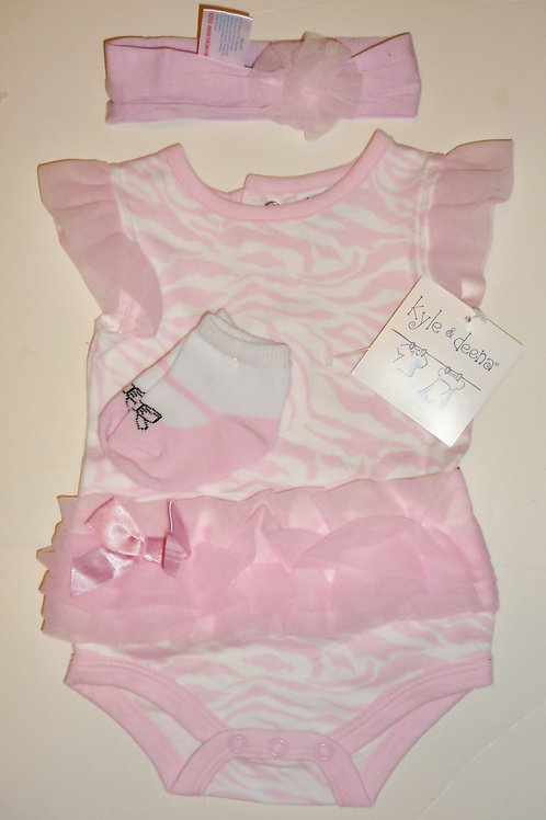 Kyle and Deena 3 pc set pink/white 0-3 mos