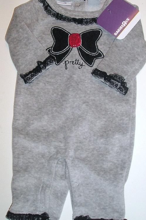 Babies R Us gray/black 0-3 mos