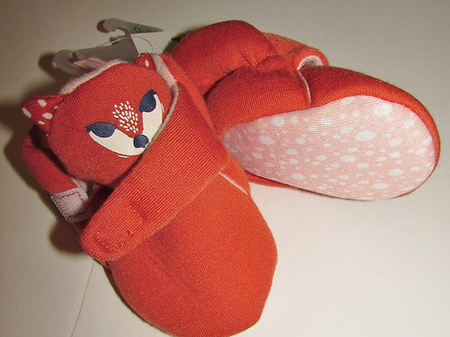 Cat & Jack slippers size 0-3 mos