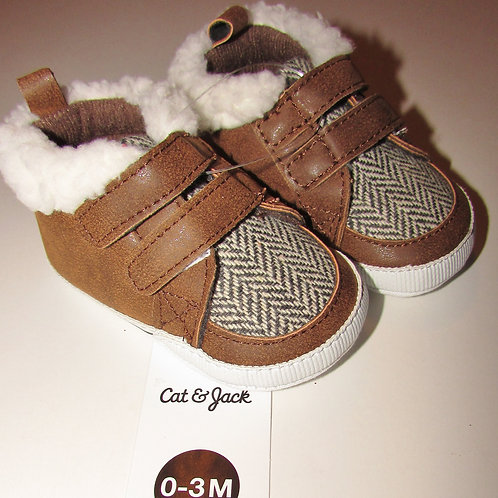 Cat and Jack tan/white size 1/0-3