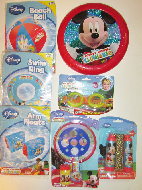 Disney 7 pc water toy set Mickey Mouse