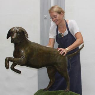 Labrador. Sculpture.