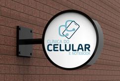 Reconstrução do logotipo da Clínica do Celular e Notebook, aqui aplicada na placa da fachada.