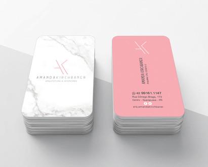 Logo criada para a arquiteta Amanda Kirchbaner, cheia de minimalismo e conceito, aqui aplicada no cartão de visitas.