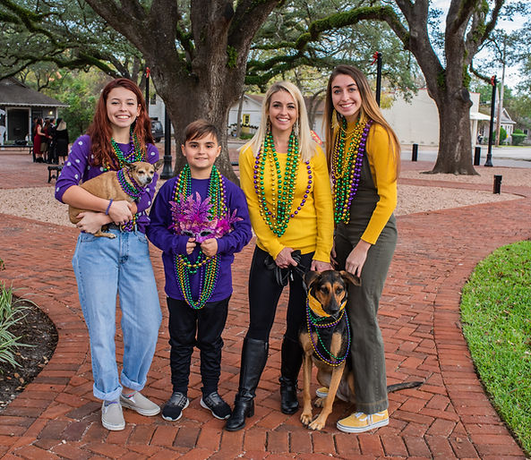 Mardi Gras Beads and Bark in the Park.jp