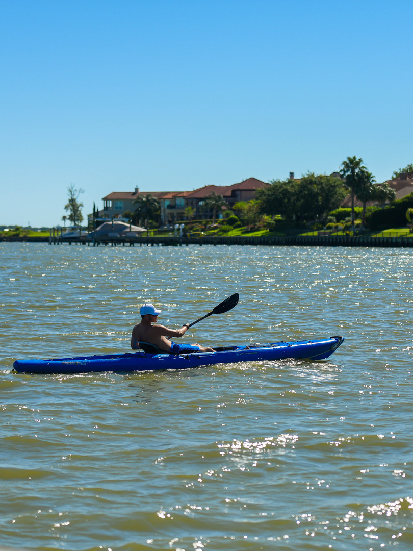 Paddle across Clear Lake