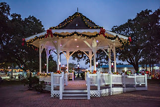 League City gazebo at Christmas