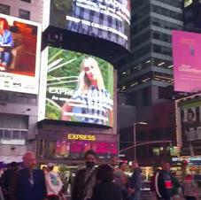 Vernissage Cube-Art Fair 5 mai 2021 à Time Square