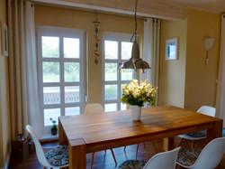 Essbereich mit 6 Stühlen
