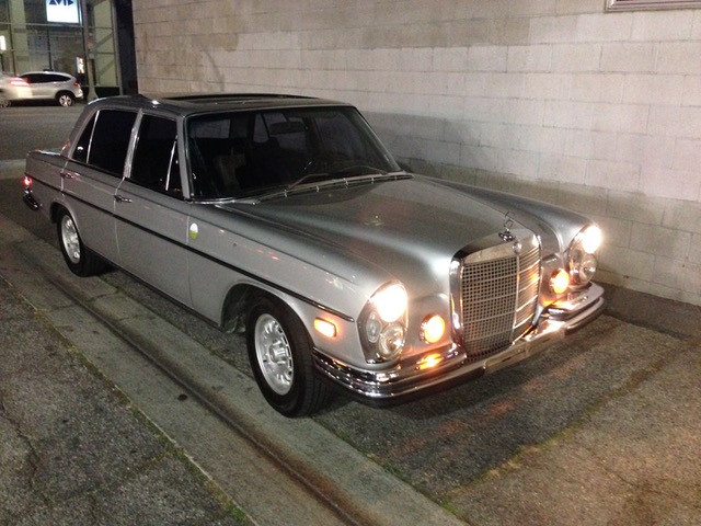 Front Silver 1972 Mercedes 280 SEL 4.5