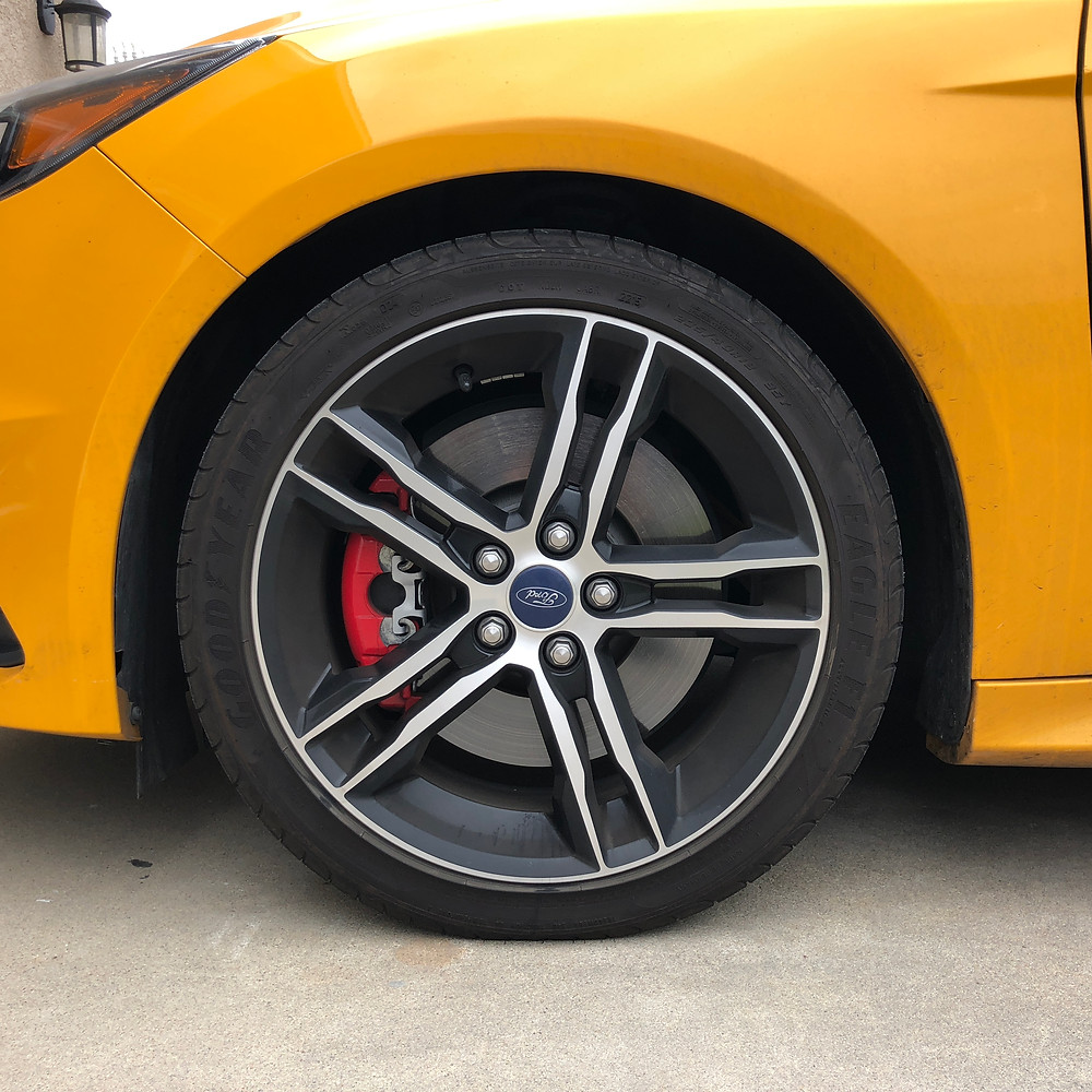 unpolished ford wheel and rim