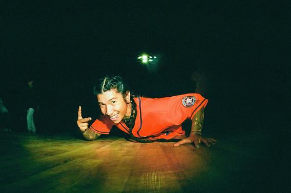 breakdancejarry05.jpg