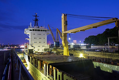Containship CISL by night