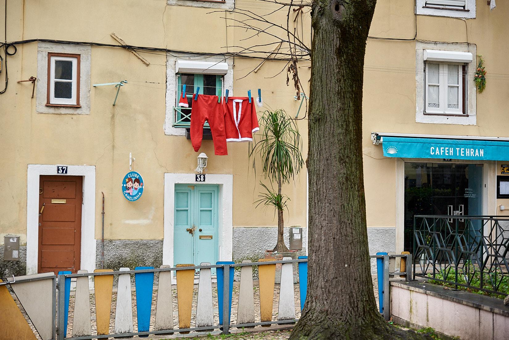 Weihnachtsmann wohnt in | Lissabon