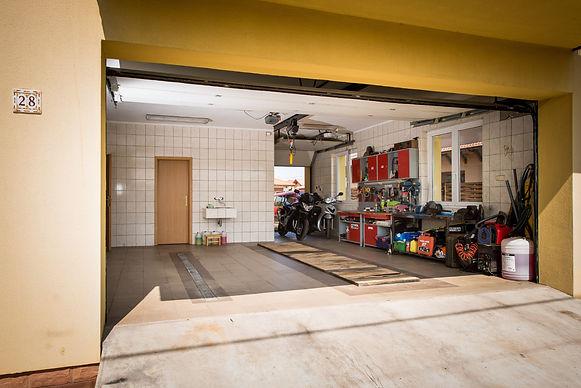 Garage Floor Cleaning Pressure Washing Orlando 407.452.9397