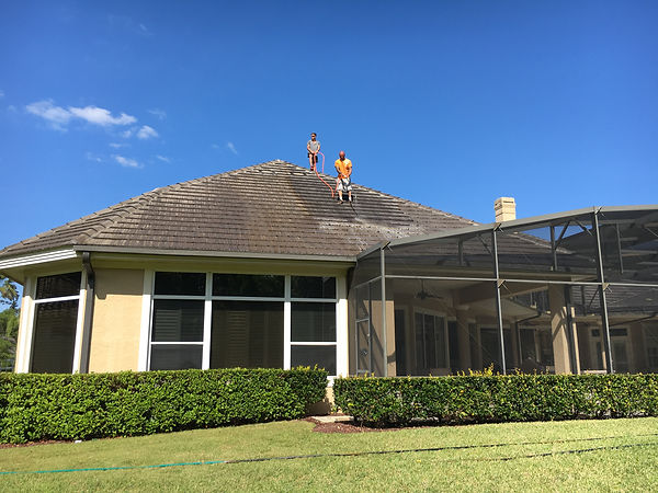 Roof Pressure Washing Orlando 407.452.9397