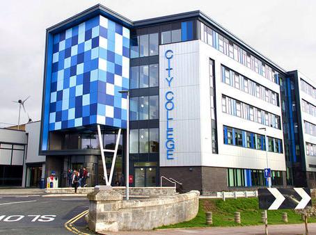 普利茅斯城市學院正式成為全英雇主滿意度最高的繼續教育學院