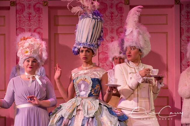 Marie Antoinette (2020)