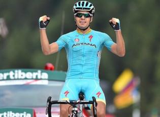 Vuelta a España: Landa se luce en Andorra y el liderato es para Aru