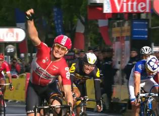 Froome se quedó con el Tour de Francia y Greipel con su cuarta victoria de etapa