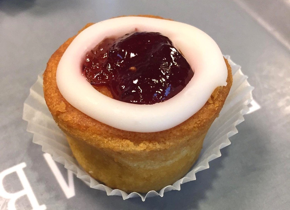 Food in Finland: Runebergs Torte