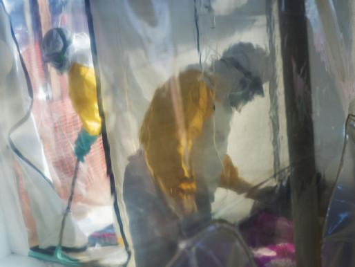 """Uno de los médicos que descubrió el ébola lo da por """"derrotado"""" tras 40 años de lucha"""