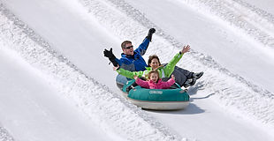 tubing-winter-family.jpg