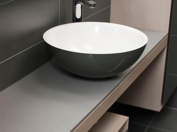 Waschbecken schwarz